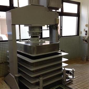 渋谷区 食品工場内機械鉄部塗装
